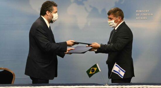 Brasil e Israel assinam acordo de cooperação contra a Covid-19