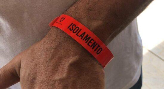 Cidade de SP obriga infectados com Covid-19 a usarem pulseiras