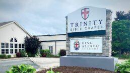 igreja multada por culto presencial no canadá