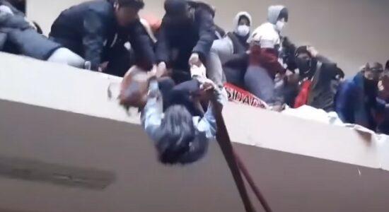 Alunos morrem após cair do quarto andar de universidade de Bolívia