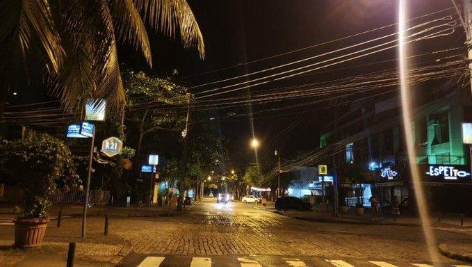 Maioria de bares fechados no RJ em primeira noite de restrições