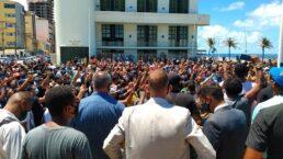 Manifestantes realizam ato em memória do soldado Wesley