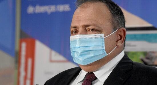 Ministro Eduardo Pazuello deve ficar no cargo até quarta-feira