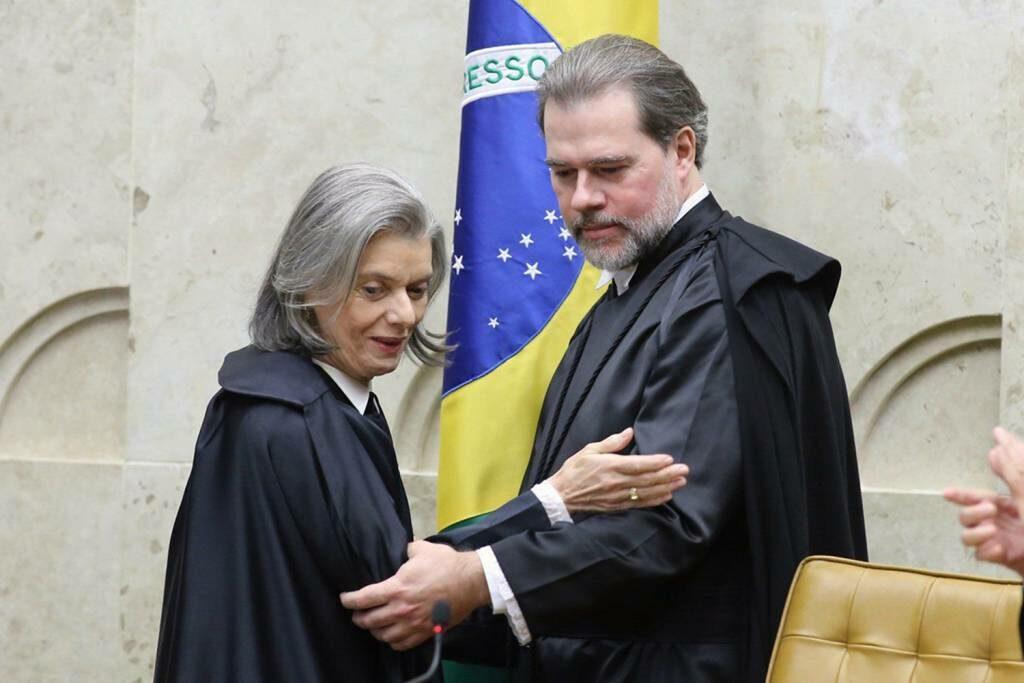 Posse na presidência do STF, posição antes ocupada pela ministra Carmem Lúcia