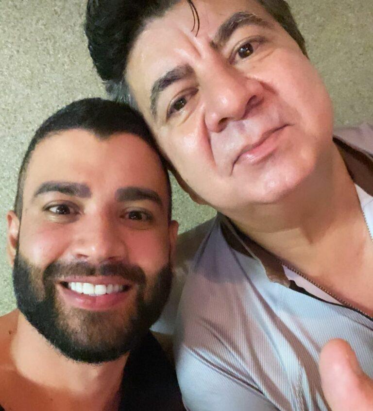 Passim ao lado do cantor Gusttavo Lima
