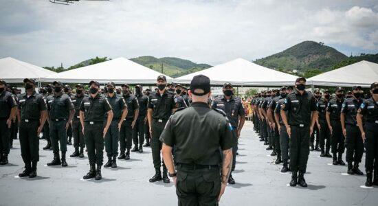 RJ começa a vacinar forças de segurança e salvamento