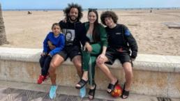 Jogador Marcelo e a família em área restrita
