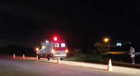 Homem que matou delegado é morto a tiros em ambulância do Samu