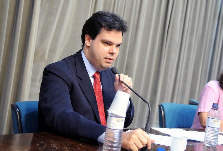 Bruno Covas em sessão final da CPI do ECAD, em 2008