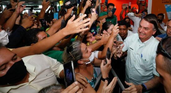 Bolsonaro ao chegar no aeroporto de Maceió