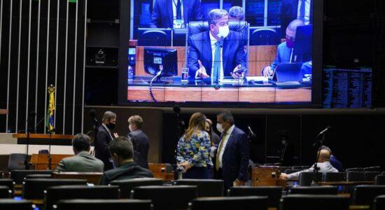 Deputados aprovaram texto base da PL do licenciamento ambiental