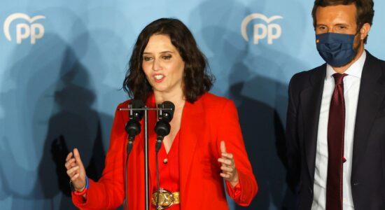 Isabel Díaz Ayuso celebra vitória em Madri