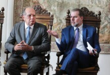 Ministros Gilmar Mendes e Dias Toffoli