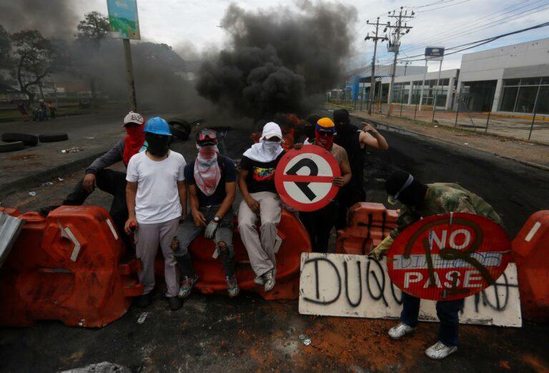 Protestos em Cali contra as políticas econômicas de Iván  Duque