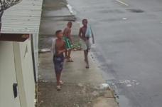Amigos desapareceram após sair para brincar em um campo de futebol em uma comunidade de Belford Roxo, na Baixada Fluminense