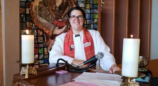 Igreja Luterana nos EUA elege bispo transgênero