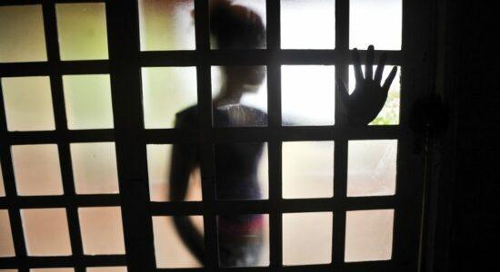 Menina filmou o próprio estupro para obter provas de que era abusada pelo padrasto