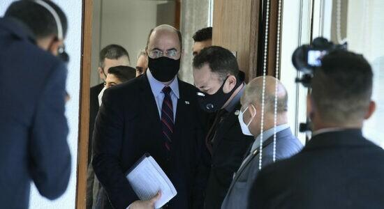 Wilson Witzel chegou de manhã para prestar depoimento à CPI