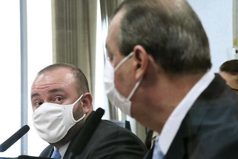 deputado Fausto Jr. durante depoimento na CPI da Covid