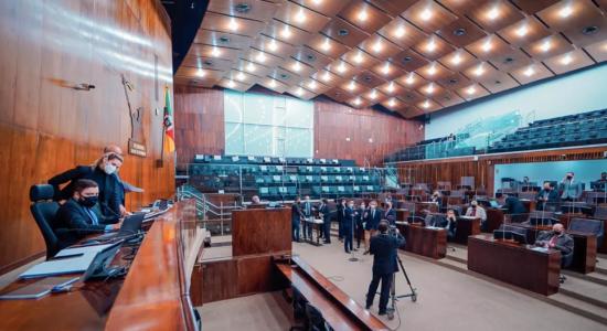 Assembleia Legislativa do RS aprova lei que autoriza educação domiciliar