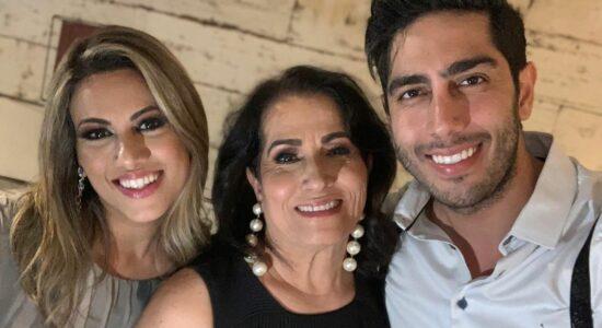 Sara Nemer e os filhos, Jonathan e Rebeca
