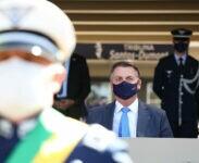Bolsonaro de máscara