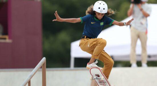 Aos 13 anos, Rayssa Leal faz história e conquista a prata nos Jogos de Tóquio