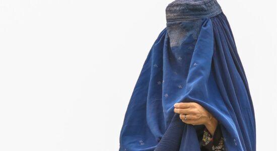 A difícil e sofrida vida de uma mulher muçulmana