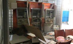 Bandidos usaram explosivos contra caixas eletrônicos no Paraná