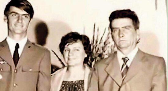 Presidente Jair Bolsonaro ao lado de sua mãe, Olinda, e de seu pai, Geraldo