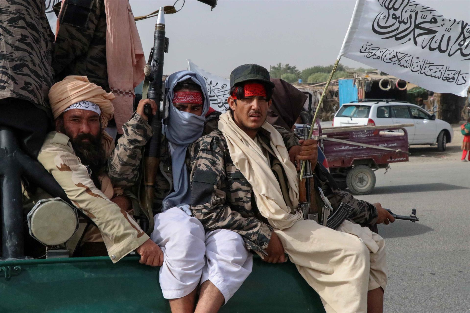 Combatentes talibãs no Afeganistão