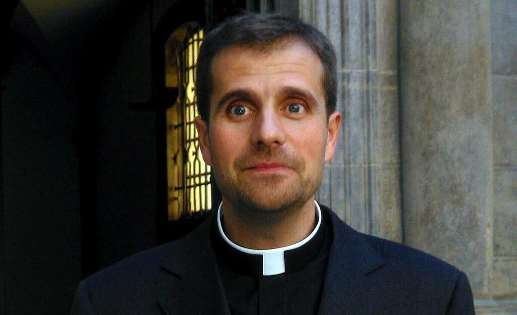 bispo se apaixona por autora de livros eróticos satânicos e deixa igreja