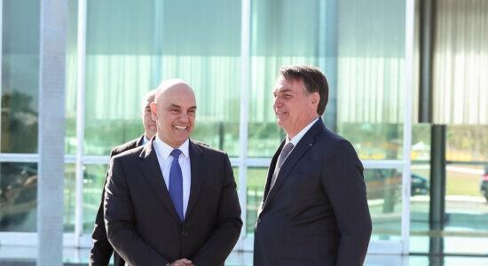 Presidente Jair Bolsonaro ao lado do ministro Alexandre de Moraes, do STF