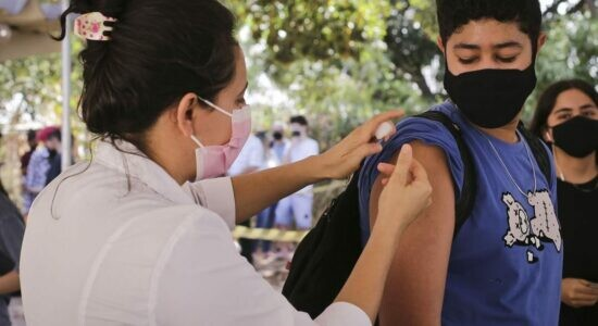 Oito capitais já exigem passaporte vacinal