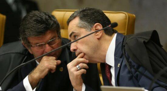 Luiz Fux, presidente do STF, e Luís Roberto Barroso, presidente do TSE