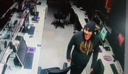 SC: Afiliada da Globo é invadida por assaltantes com máscaras de palhaço