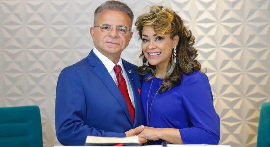 Apóstolo Miguel Ângelo e a bispa Rosanna Ferreira