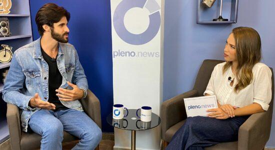 Matheus Ferreira no estúdio do Pleno.News