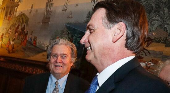 Steve Bannon e o presidente Jair Bolsonaro